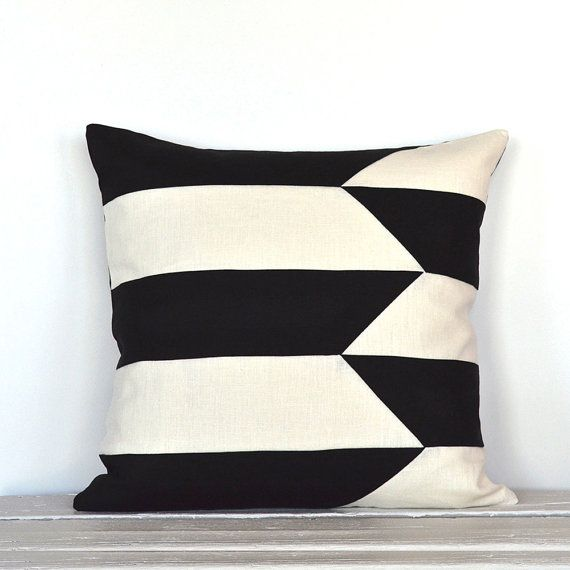 Inspired by tribal woven baskets, this colorblock pillow cover is modern and crisp looking and made with a beautiful linen quality. 10 pieces are