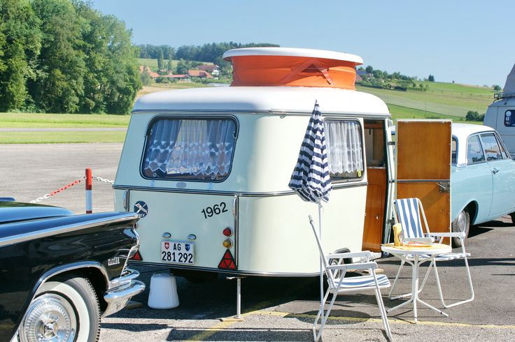les 250 meilleures images propos de retro caravane et car sur pinterest volkswagen camping. Black Bedroom Furniture Sets. Home Design Ideas