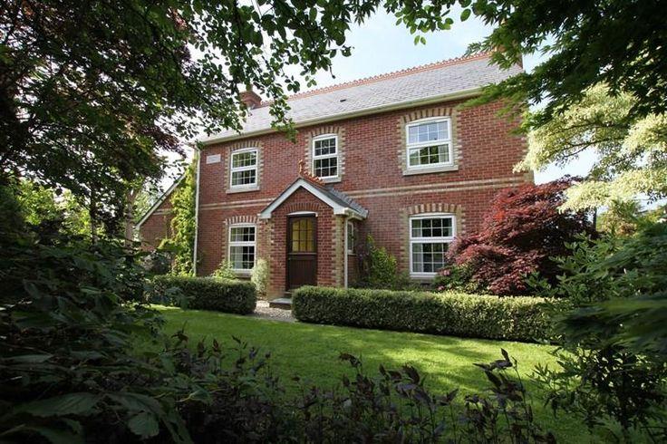 4 bedroom Detached House For Sale in Sway Road, Tiptoe, Lymington