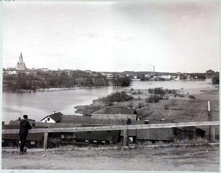 Utsikt från landsvägen vid Skanstull över Hammarby sjö mot Södermalm - Stockholmskällan