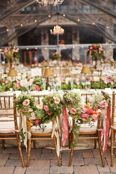 Floral covered bride and groom chairs / #wedding decoration | réépinglé par #tanaga