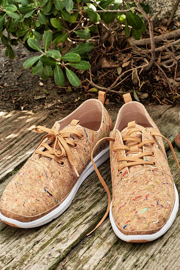 Meet the colorful cork TOMS Del Rey sneakers.
