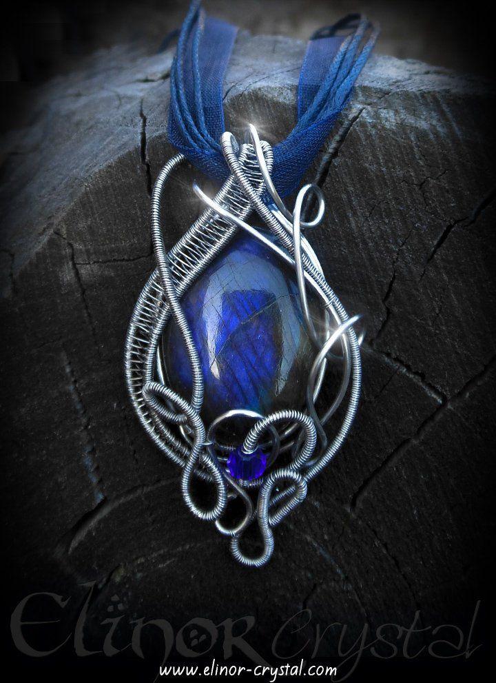 Deep Blue Wire Wrapped Labradorite Gem Stone Pendant
