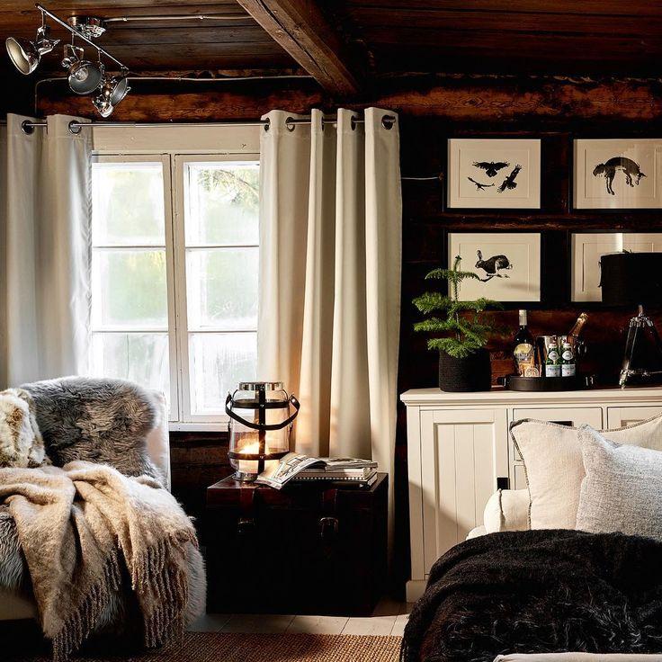 """""""Lite inspiration för vinterhuset? Eller vintermyset! Lyktor, plädar, fällar och kuddar mjukar upp…"""" nordic living room estilo cabaña madera cozy"""