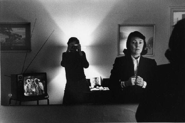 Helmut Newton, self portrait with June, Hotel Volnay, New-York, 1982 - Découvrez notre bande démo : http://studiocigale.fr/films/?catid=1&slg=showreel-2013-studio-cigale
