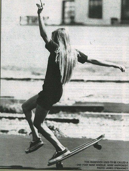 Skating Girls, Skateboards, Go Girls, Skater Girls, Girls Generation, Style, Girls Power, Longboards, Photography