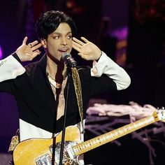 Hot: Jehovah's Witness Church Release Statement Over Prince's Death Says He 'Found Fulfillment Sharing His Faith With Others'