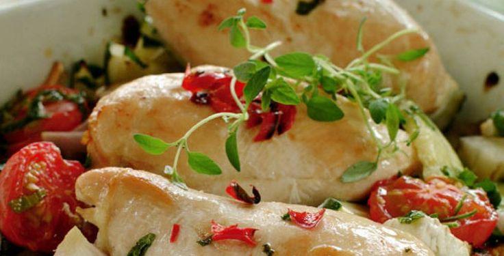 Kyllingfilet i form med grønnsaker Enkelt og raskt