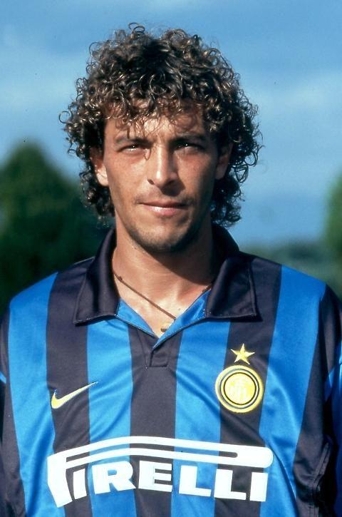 Forza Italia, alle regionali in Puglia anche l'ex Inter Francesco Moriero