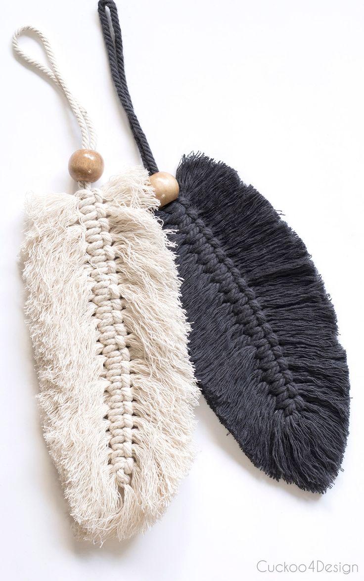 Taschenanhänger aus Makrameegarn und Holzperlen  – dus kapani