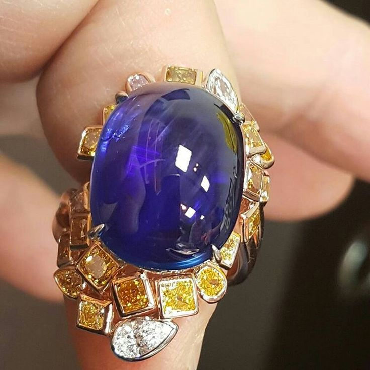 @jewelrymanagement. 19ct Burmese unheat cabochon sapphire with royal blue color !