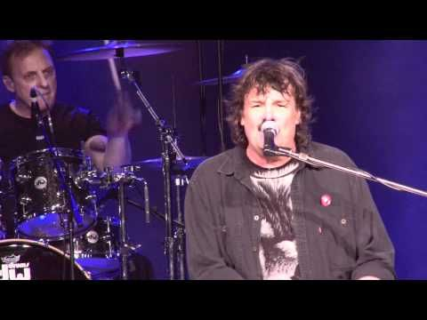 "Burton Cummings live,singing ""Stand Tall"",2011."