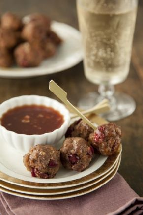 Mini Cranberry Meatballs with Sweet Spicy Dipping Sauce