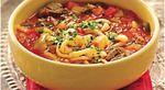 Нам понадобиться: - Говядина или баранина - 0,5 кг. - Тонкая длинная лапша или спагетти - 0,5 кг. - Лук репчатый - две шт. - Морковь - две шт. - Картофель две шт.