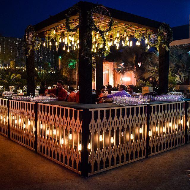 Urban Gardening This Fabulous Statementmaking Wedding Bar Idea
