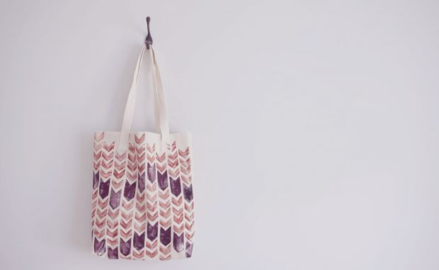 Creative: Eleven DIY Printed Fabric Projects via  Boat People's vintage and DIY fashion blog - your daily source of OMG