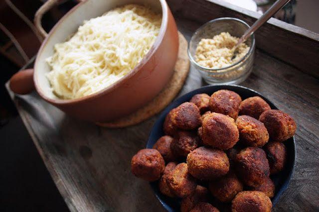 Oppskrift Vegan Vegetar Linselus Linseboller Linser Capellini Pasta Vegetariske Kjøttboller