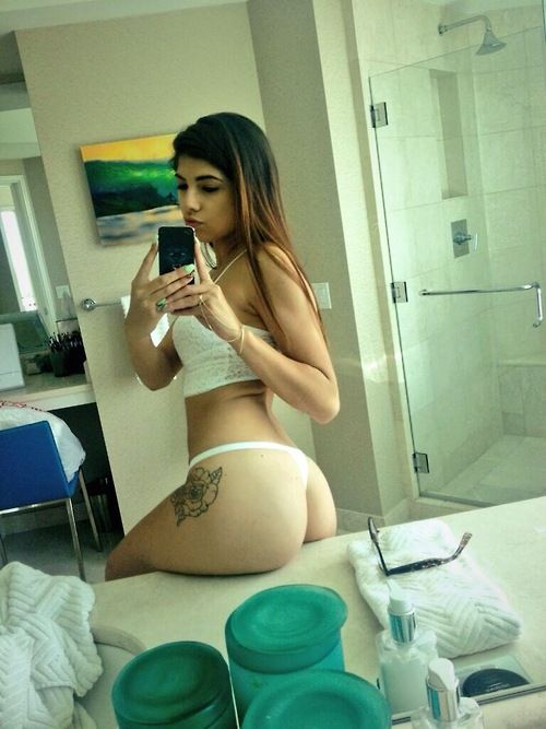 Amateur girls in thongs
