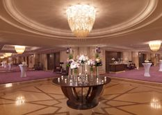 The Ritz Carlton, Dubai    Willowlamp was commissioned to produce over 35 large chandeliers for the Ritz Carlton Hotel in Dubai. #willowlamp #bespokelighting #chandelier #interior #lighting #interiors #inspiredinteriors #lightingdesign #customlighting #chandelier #interiordesign #interiordecor #interiorstyle #interiorlovers #interior4all #interior4u #interiordecorating #interiorstylings #interiorarchitecture #interiores #interiorandhome #interiorforinspo #deco #homedesign #homestyle
