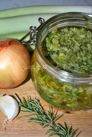 Un'altra variante dell'ormai gettonatissimo dado vegetale fatto in casa che ha ispirato diverse ricette poi personalizzate. Vi tornerà...