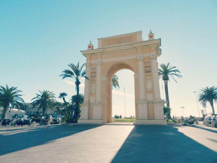 La spettacolare piazza di #finaleligure #liguria  #visitriviera