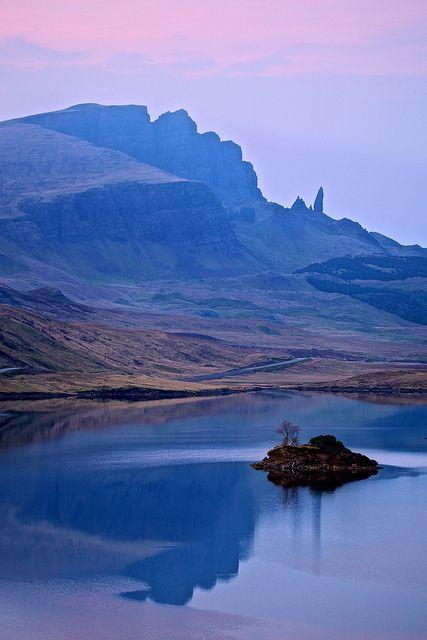 ✮ Dusk on the Isle of Skye,  Scotland