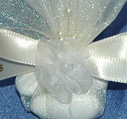 Boubounieres - Wedding & Baptism bomboniere favors. Christening bonbonieres with jordan almonds.