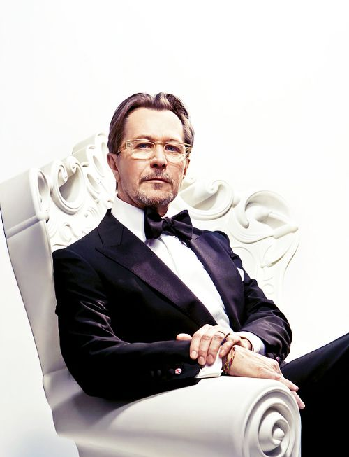 Gary Leonard Oldman ( March 21, 1958, London, UK) is an English screen and stage actor, filmmaker and musician.