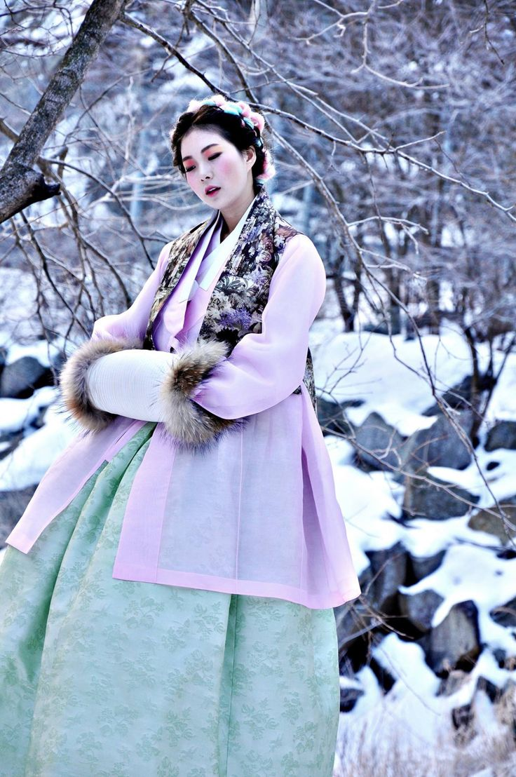 of Kimono and Hanbok : Photo