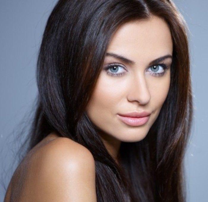 Welche Haarfarbe Passt Zu Mir Tipps Ideen Und Viele Bilder Zum Vergleichen Haarfarben Haarfarbe Dunkel Braune Haare Blaue Augen