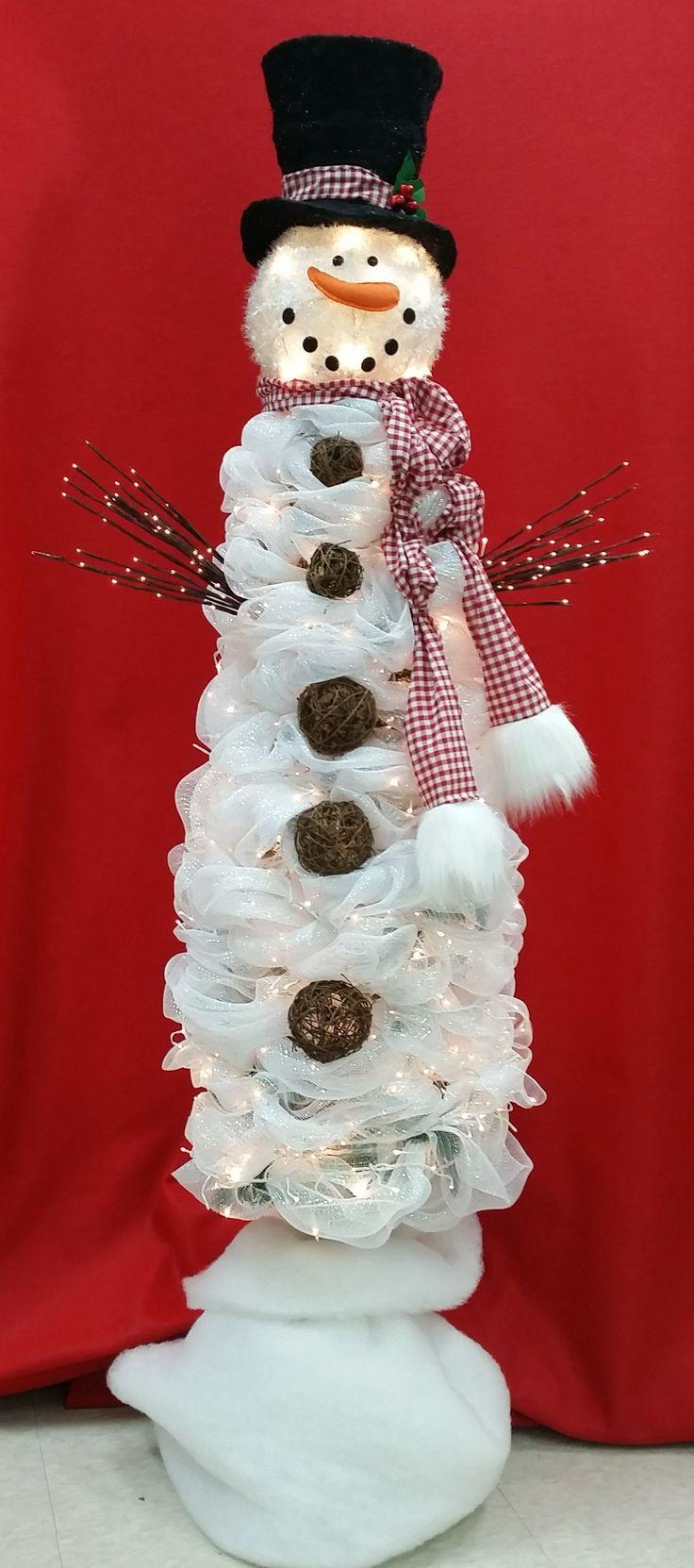2014 Snowman Deco Mesh Christmas Tree made