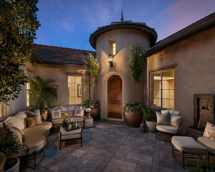 17 best images about front yard ideas on pinterest san for Courtyard in front of house
