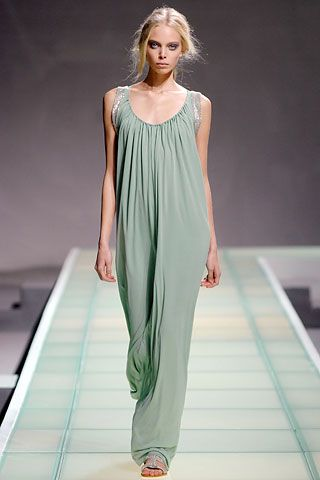 Alberta Ferretti Spring 2008 RTW - Runway Photos - Fashion Week - Runway, Fashion Shows and Collections - Vogue