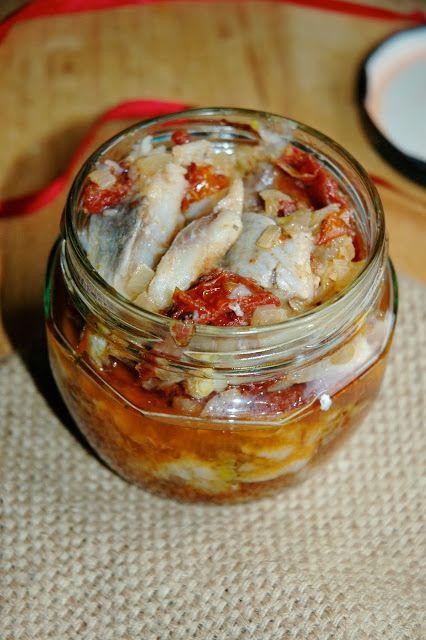 : ŚLEDZIE Z SUSZONYMI POMIDORAMI/ herrings with sun dried tomatoes