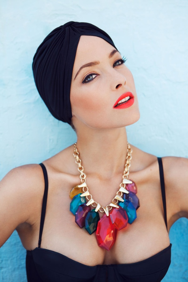 turban + necklace poolside: Head Wraps, Statement Necklaces, Style, Turban, Jewels Tones, Hair Accessories, Statement Jewelry, Lips Colors, Chunky Necklaces