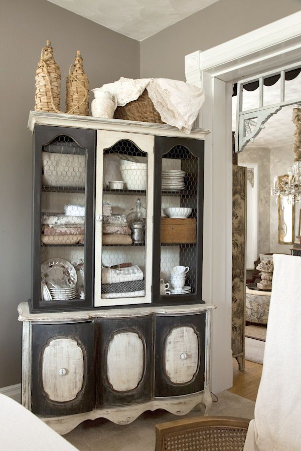 love this dual toned china cabinet