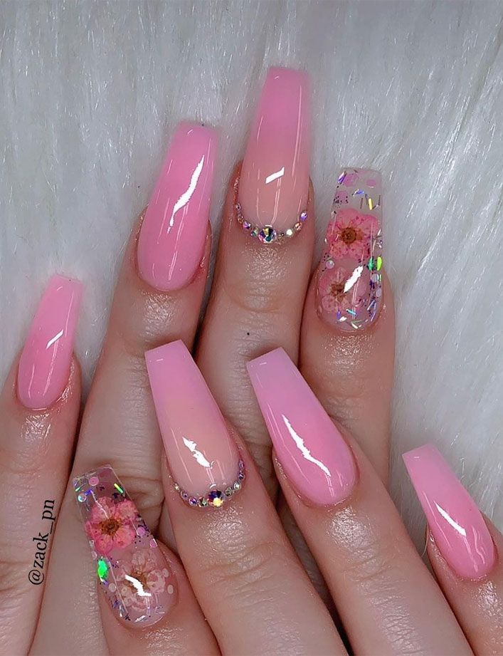 40 Fabulous Nail Designs That Are Totally In Season Right Now Coffin Nails Designs Fabulous Nails Best Acrylic Nails