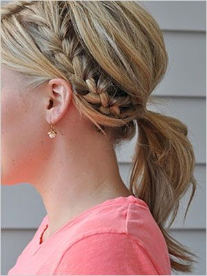 Easy hairstyles that pair well with a natural makeup look for the summer - Half French braid ponytail!