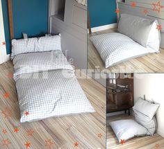 DIY Coussin de sol pliable, tout en récup' (oreillers, drap, rideau)