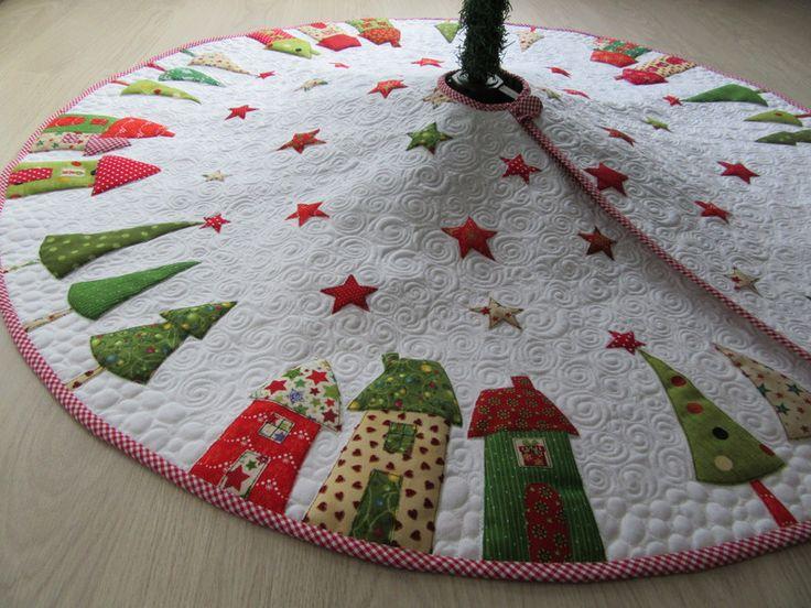 Baumschmuck: Stoff - Quilt-Weihnachtsbaumdecke - ein Designerstück von Aksiny bei DaWanda