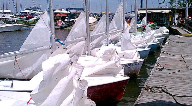 Have a relaxing break sailing down the Potomac River in #DC on a unique Sailboat Rental, available now on Peek.com