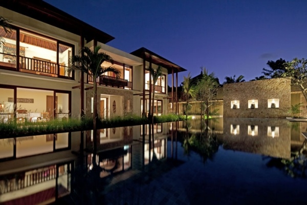 Spacious Villa Satria, meaning 'Warrior,' 'Hero,' or 'Noble,' is a majestic property resting on 1,500 square metres (15 are) in the heart of trendy Seminyak.