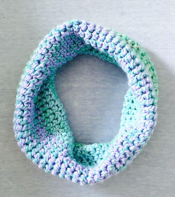 Lila, paars, blauw, turquoise, col, sjaal, gehaakt, meisje, cadeau, speciaal door Sanneva op Etsy https://www.etsy.com/nl/listing/217353189/lila-paars-blauw-turquoise-col-sjaal