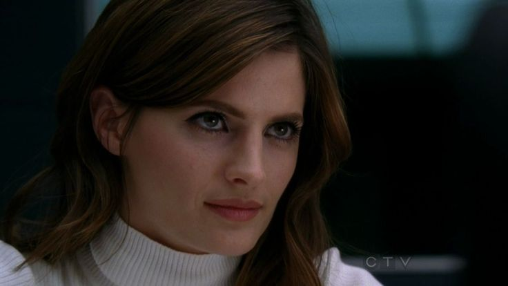 castle tv show | 45: Stana Katic as detective Kate Beckett upclose and sexy