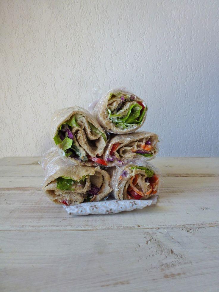 Crêpes façon wraps, avoine et sarrasin. Garniture au chèvre frais et légumes crus ( sans oeufs ...