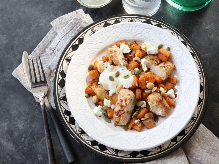 Karamelliserad kyckling med sötpotatis och jordnötter | Recept från Köket.se