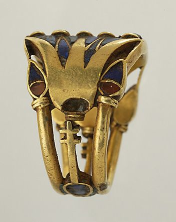 Blog Les Bijoux Indiscrets - A new Eden: idealized nature in jewelry-Ring, gold, Egypt, 1000-1500 B.C., courtesy of Musée du Louvre