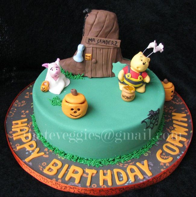 halloween cakes | This adorable Winnie the Pooh Halloween Cake was made by I Hate ...