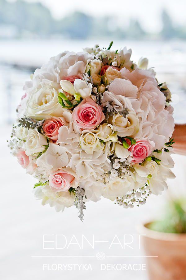 Wiązanki Ślubne, biało-różowa wiązanka z kwiatów mieszanych: hortensja, róża, frezja, starzec, gipsówka, róża gałązkowa. Olsztyn  #bukiet