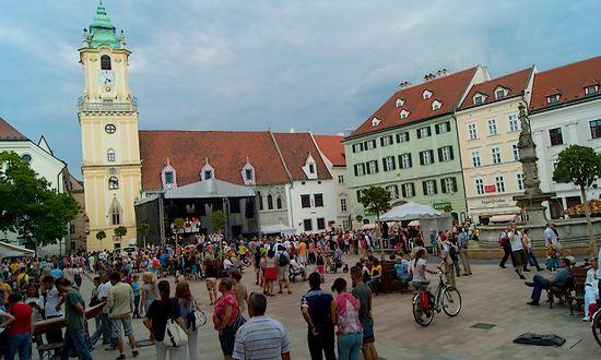 Via all'Estate di Bratislava, 250 eventi fino a settembre. Stasera sfilata stilisti slovacchi | BUONGIORNO SLOVACCHIA